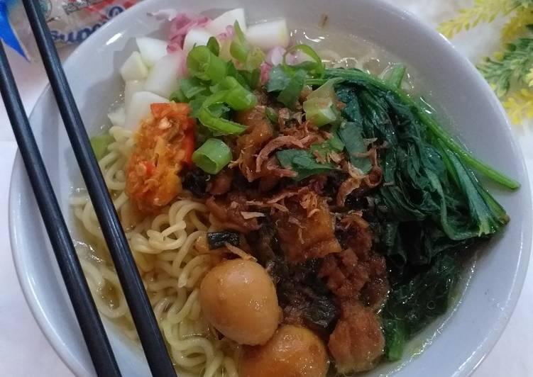 10.62 Mie Ayam Supermi Homemade