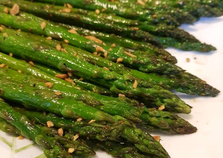Pan seared asparagus