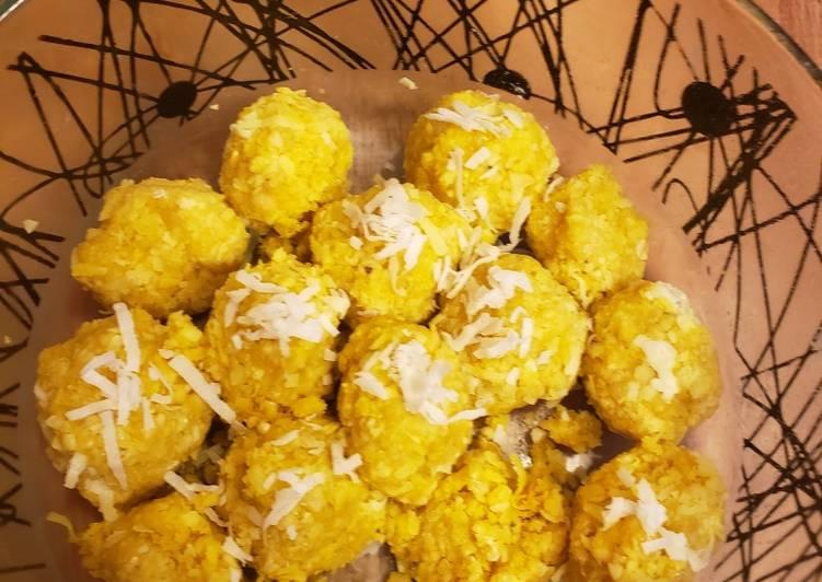 Step-by-Step Guide to Make Super Quick Homemade Lemon, coconut honey energy balls