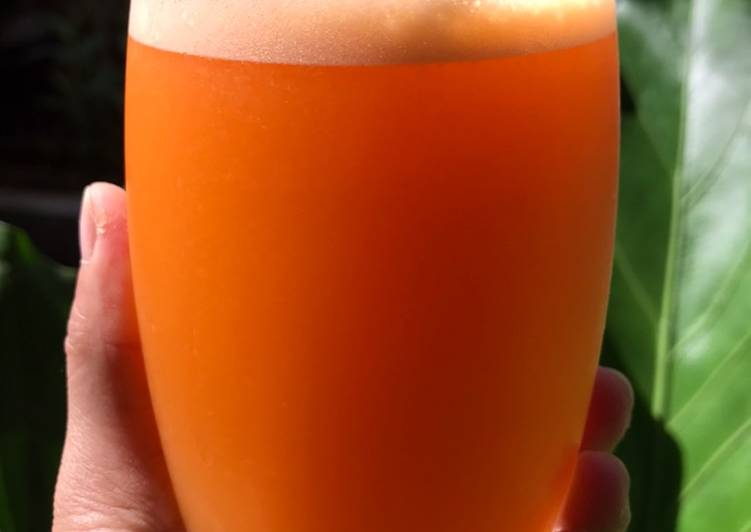 Mix Juice carrots with sunkist