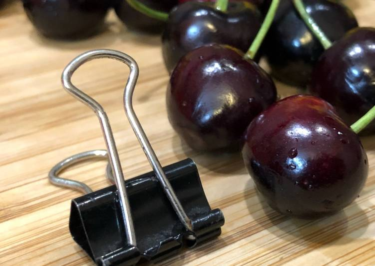 """Recipe of Homemade #HowTo """"Pit Cherries"""" with a binder clip? - Tuesday Tip"""