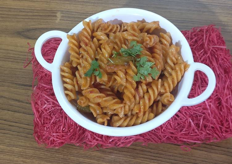 Simple,tangy, spiral pasta