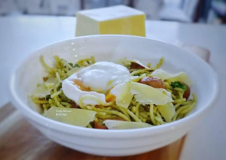 Recipe: Perfect Bacon,Kransky sausage &Egg Pesto Spaghetti