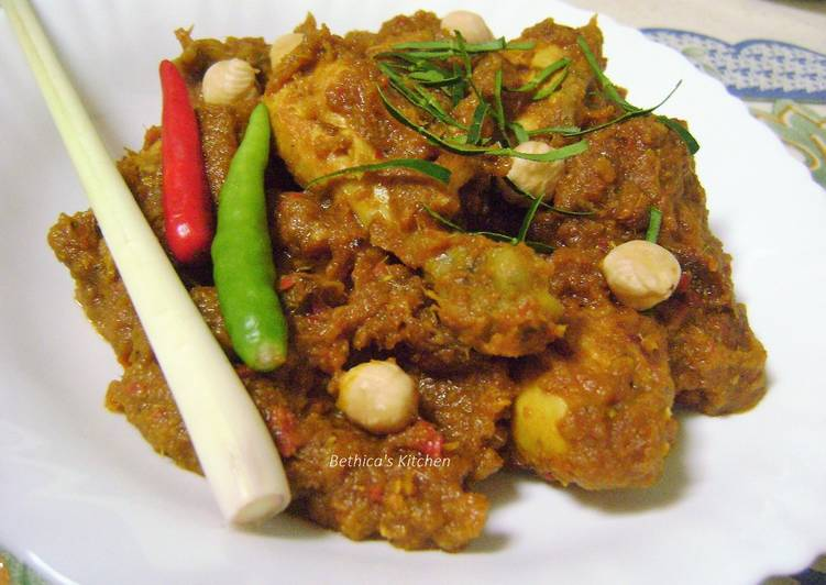 Recipe: Tasty Chicken Rendang – Malaysian Style