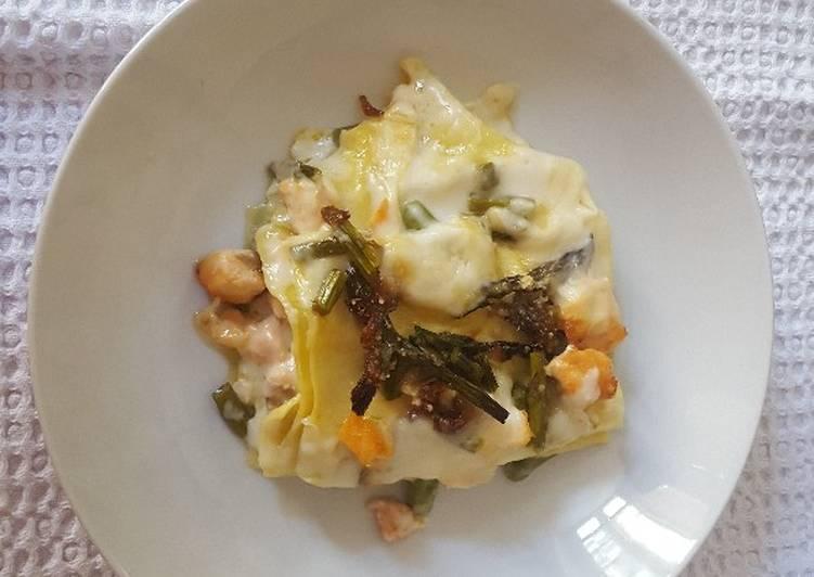 Lasagna with asparagus and salmon