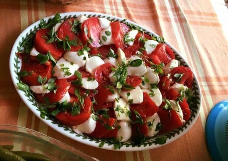 Recipe of Top-Rated Tomato mozzarella salad