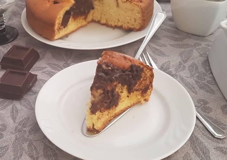 Ricetta Torta nua con crema pasticcera e di cioccolato