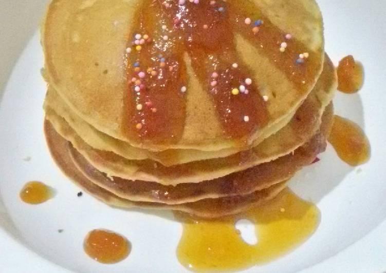 Resep Fluffy Pancake topping selai nanas Bikin Laper