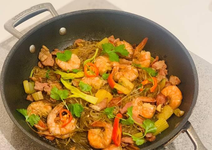 Quick pan baked prawns & glass noodles
