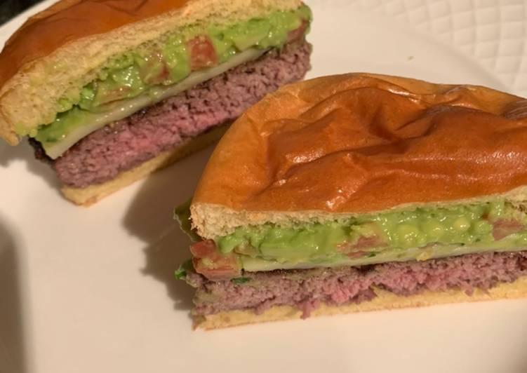 Recipe of Quick Guacamole cheeseburger 🍔