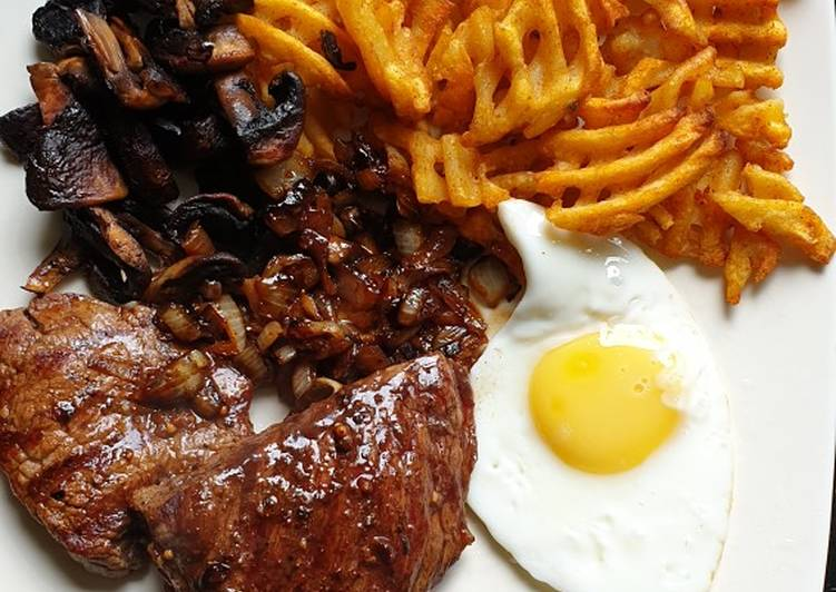 Simple Way to Make Perfect Rump Steak with Diane Sauce
