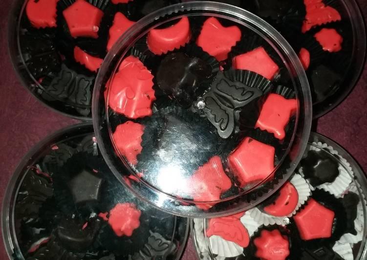 Coklat Karakter Isi Kacang