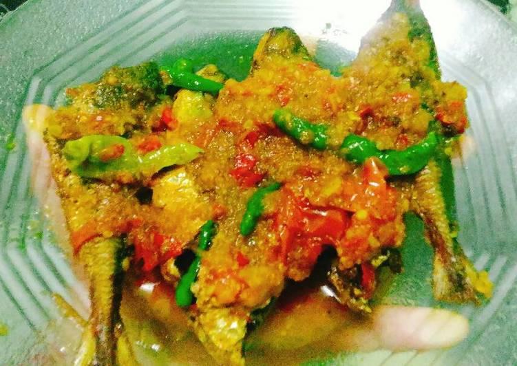 Resep Ikan Kembung Bumbu Kuning Oleh Yulia Cookpad
