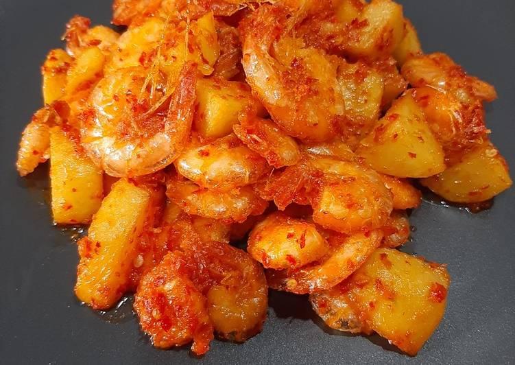 Udang kentang balado ala Minang