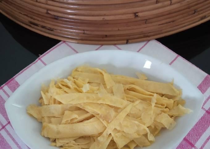 Telur Iris Tipis sbg pelengkap Nasi Kuning