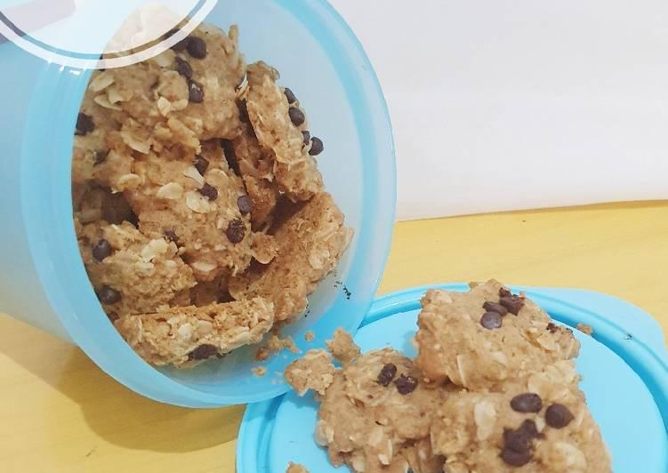Crunchy Oatmeal Cookies - cookandrecipe.com