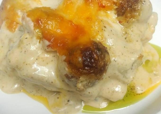 Easiest Way to Prepare Perfect Alfredo Meatball Lasagna with Pesto
