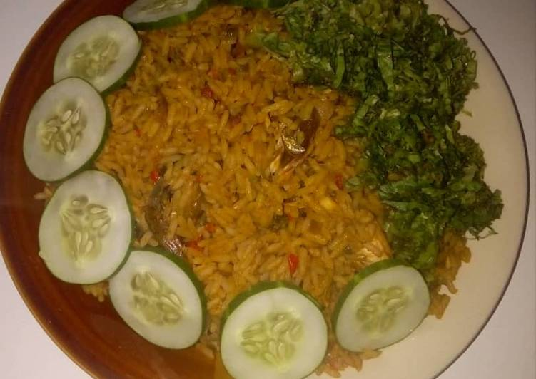 Red oil rice with cucumber and lectus