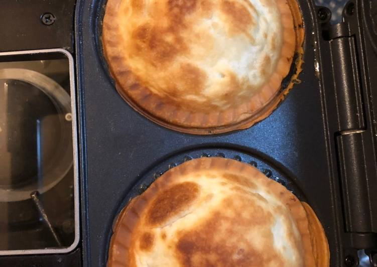 Recipe of Favorite Cheesy leek and potato pies