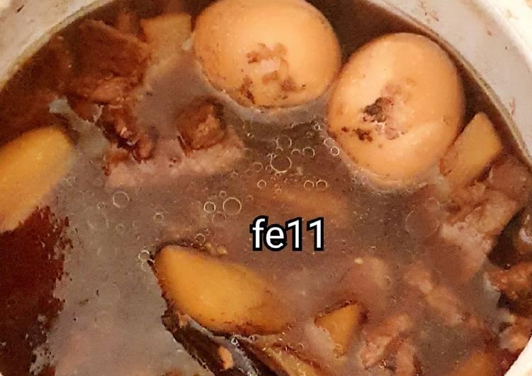 Semur daging telor kentang untuk balita