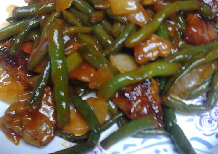 Green Beans and Sausage in a Sauce