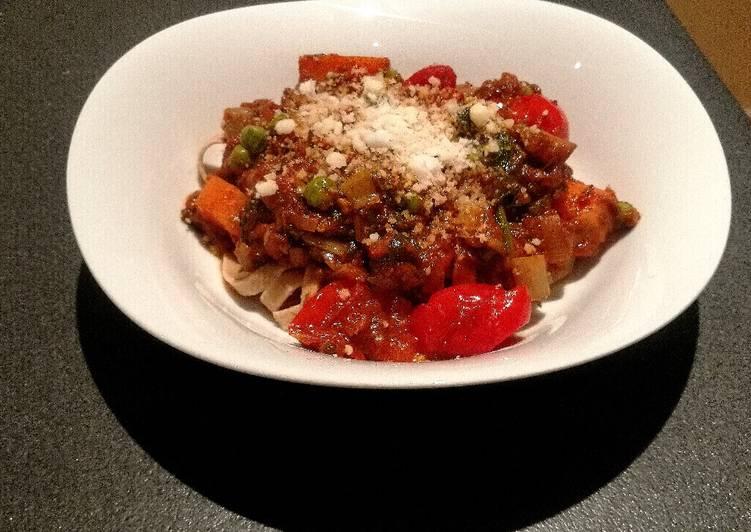 Vegetable Bolognese Sauce (Vegan/Vegetarian)