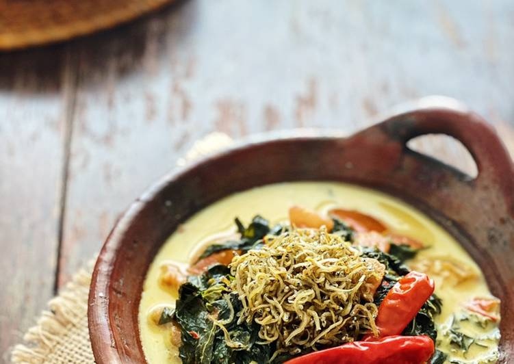 Recipe: Delicious Gulai Singkong Teri (Anchovy Cassava Leaves Gulai)