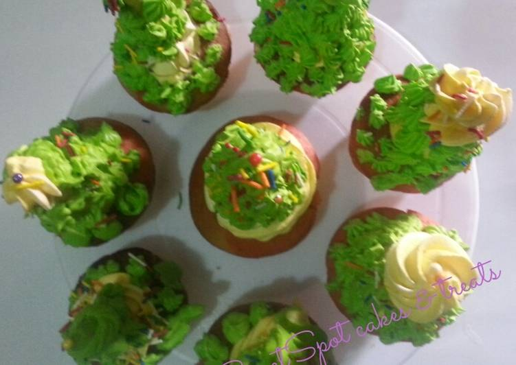Christmas tree cupcakes# Christmas baking contest#
