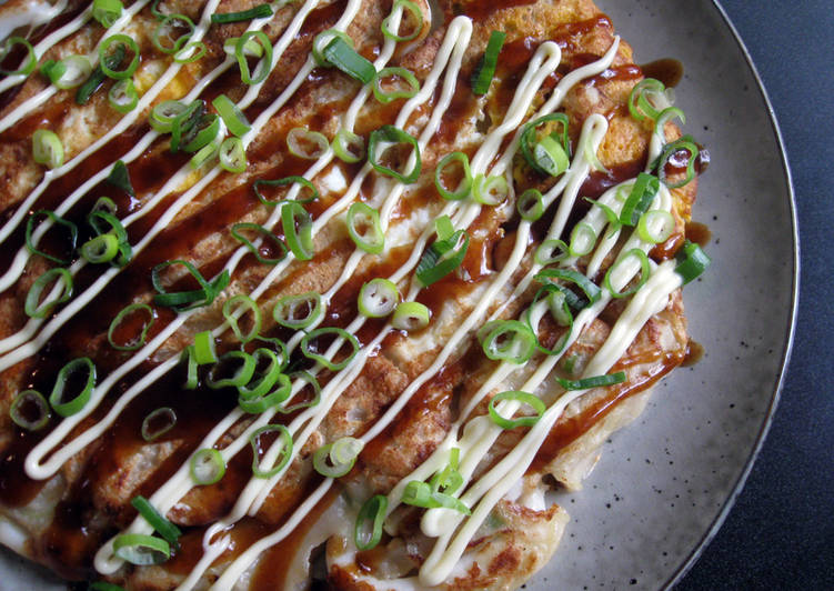 Step-by-Step Guide to Make Favorite 'Ikayaki' Squid Okonomiyaki