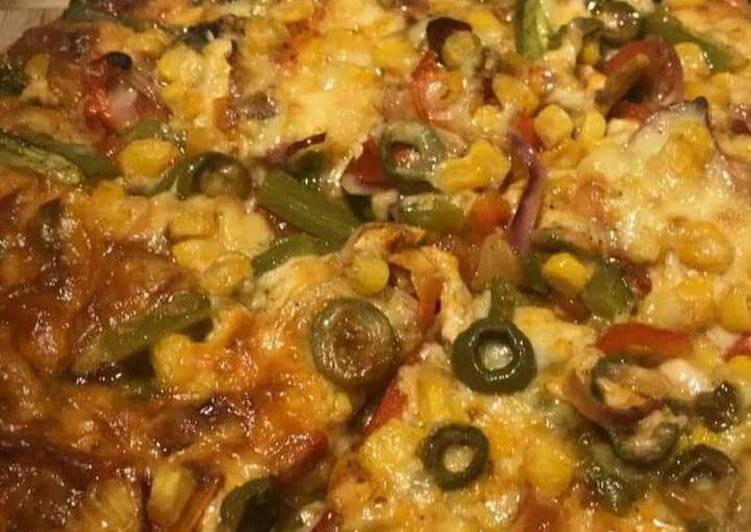 Corn cheese pizza