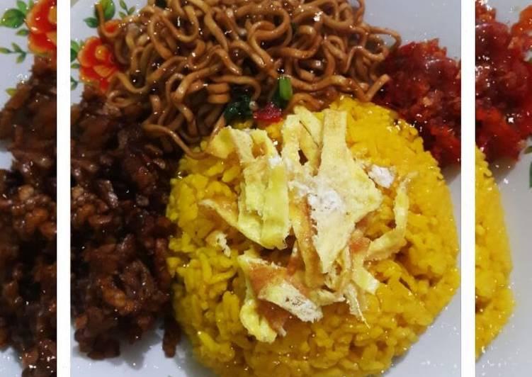 Nasi kuning/nasi uduk kuning