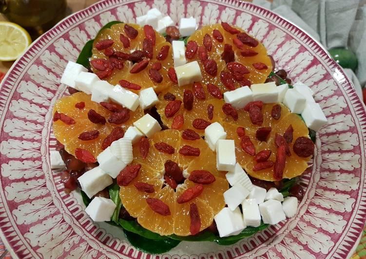 Ensalada De Bayas De Goji Con Mandarina Y Espinaca Receta