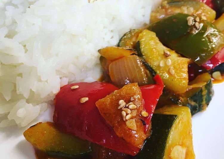 Poêle de légumes vignaire balsamiques et graine de sésame et poivre de sapin