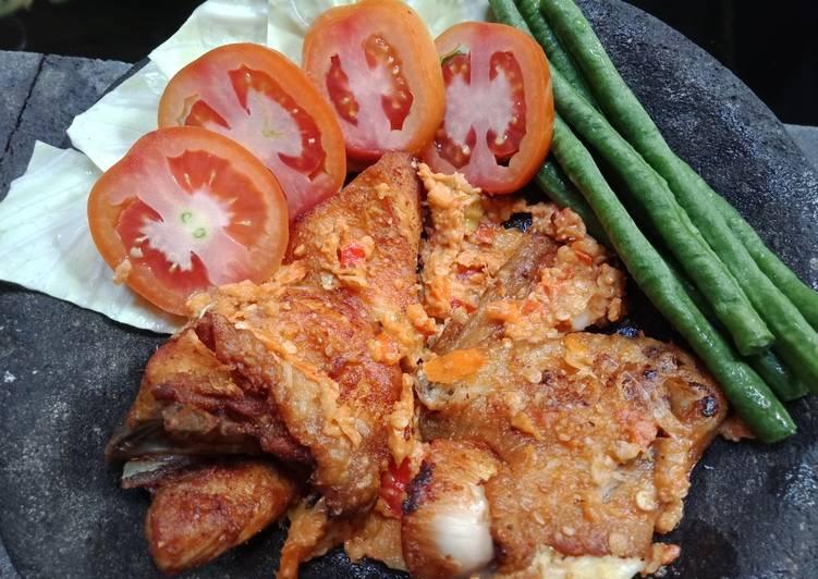 Ayam Geprek Sambal Mede