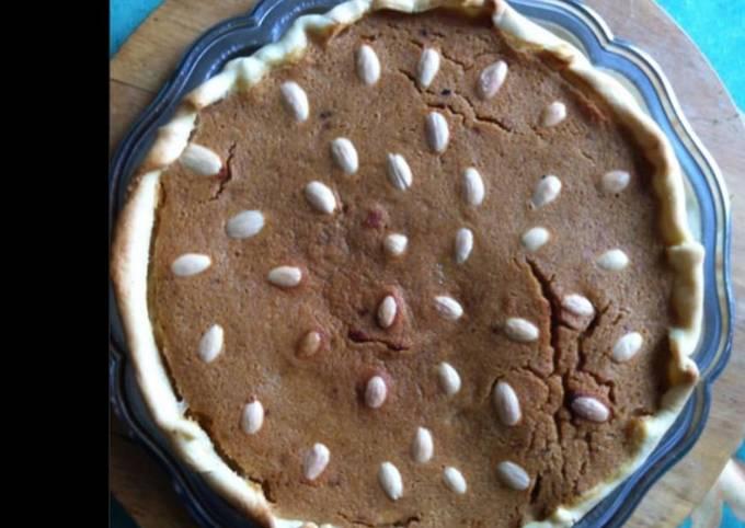 Tarte biscuitée aux amandes et caramel