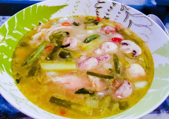 Thai green soup