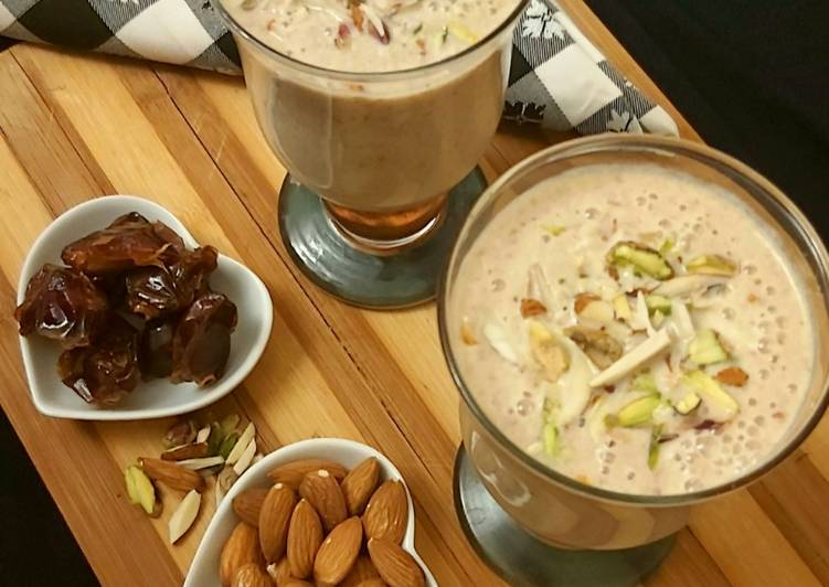Step-by-Step Guide to Make Ultimate Dates & Almond Milkshake