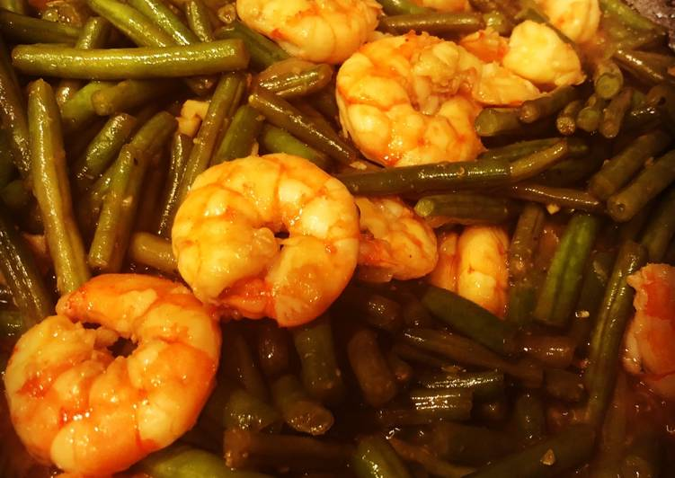 How to Make Award-winning Stir-Fried Garlic Shrimp with Green Beans