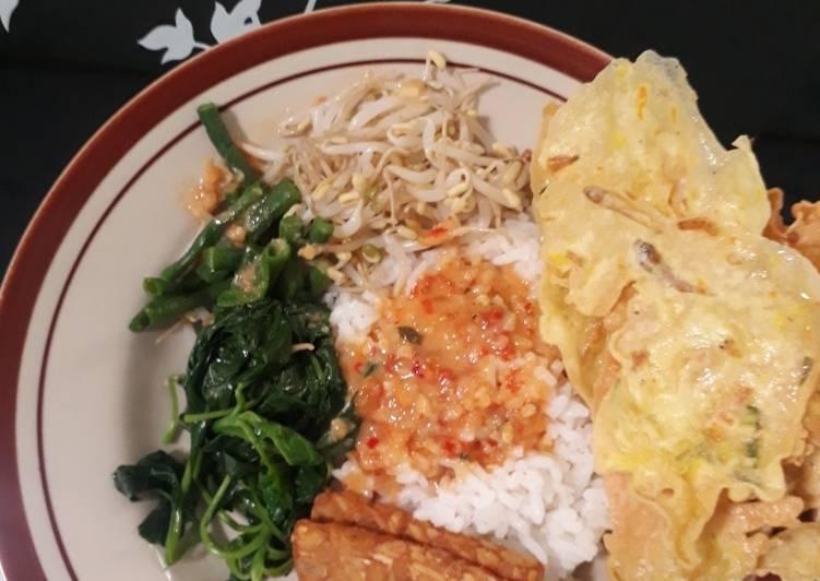Nasi pecel rumahan sederhana
