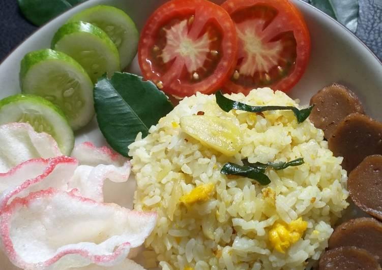 Nasi Goreng Aroma Daun Jeruk dan Sereh