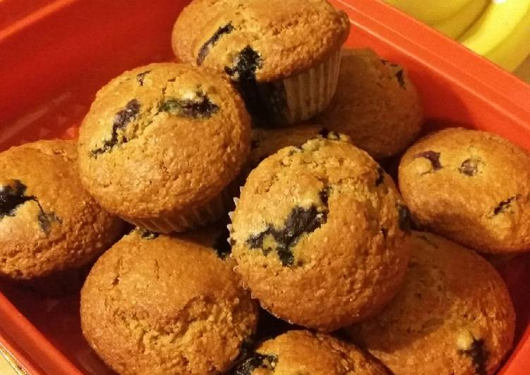 Recipe: Delicious Blueberry Oat Bran Muffins