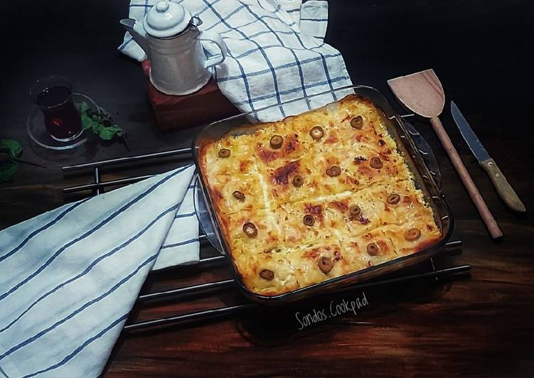 Easiest Way to Make Perfect Sausage and cheese pie