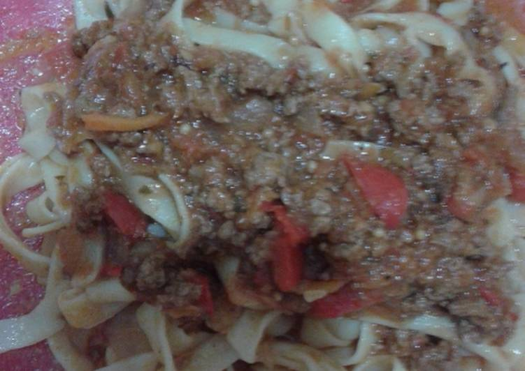 Spaghettis con salsa bologñesa
