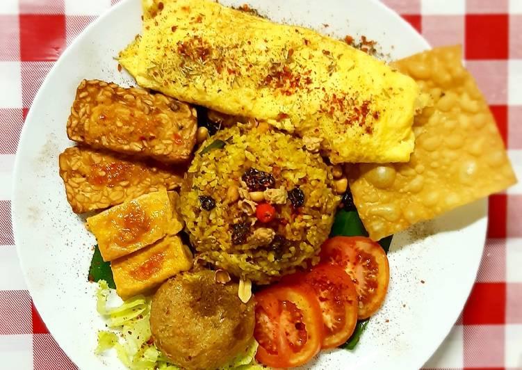 Nasi Goreng Kebuli simple dan Omelette