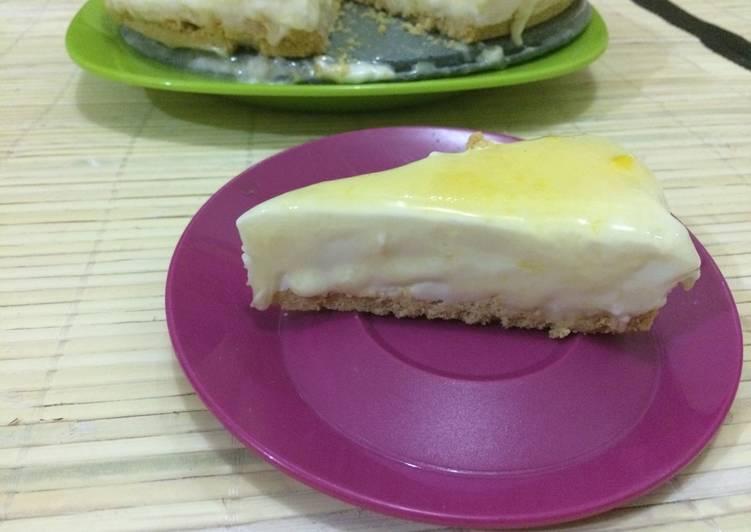 No Bake Cheesecake with Lemon Glaze