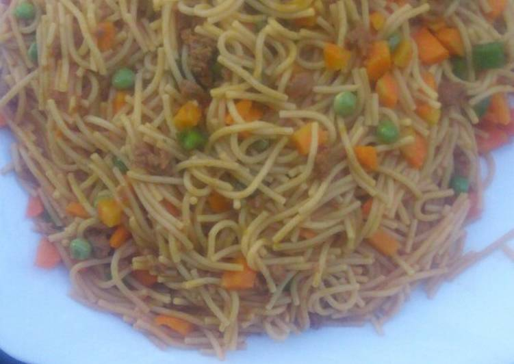 How to Make Super Quick Homemade Jollof spaghetti