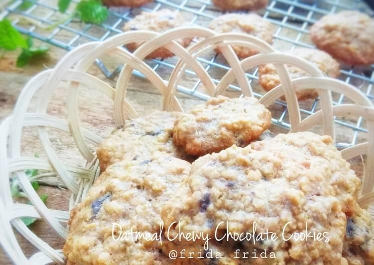 Oatmeal Chewy Chocolate Cookies