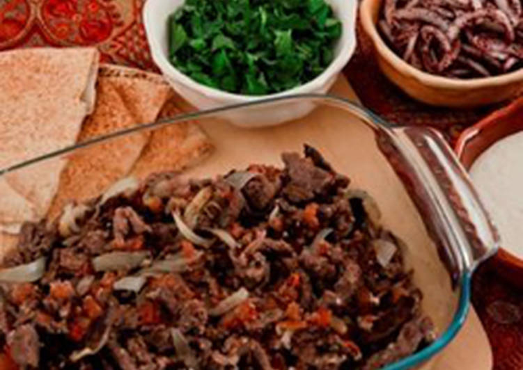 Marinated and baked beef strips - shawarma lahmeh