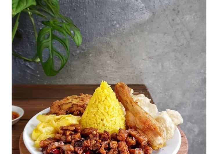 Nasi Kuning Simpel Banget