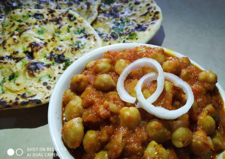 25 Minute Simple Way to Make Quick Chole with aloo kulcha